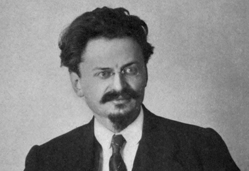 León Trotsky biography